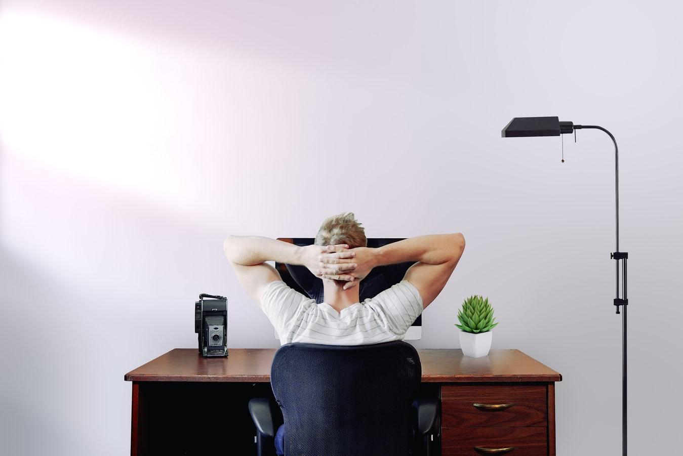 Een goede zithouding voor op het kantoor